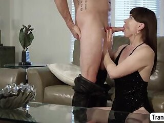 Horny TBabe Natalie Mars enjoys doing anal anywhere