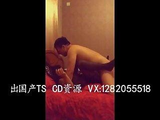 双妖和直男玩3P Two character transvestite and men play the 3 p