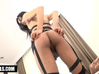 Asian Horny Tgirl Beau Services Big Cock In Hotel