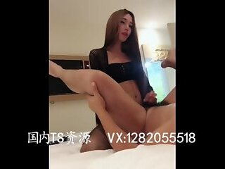 TS后入男Sexy and beautiful transvestite 欣欣 inserted into the man's anus