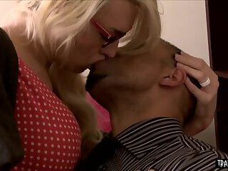 Troubled blonde shemale babe fucked by BBC therapist