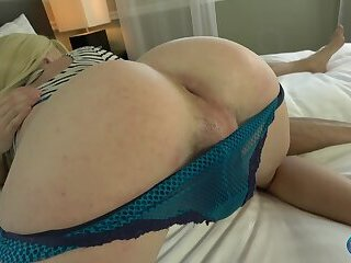 Jenna Gargles Gets Her Ass Pounded!