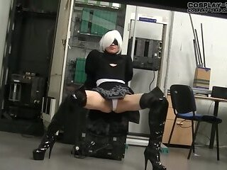 Crossdress cosplay 2B messy anal play