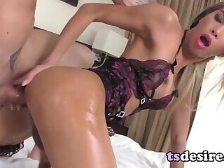 Horny Ladyboy Vivi Isobelle Takes A Dicking