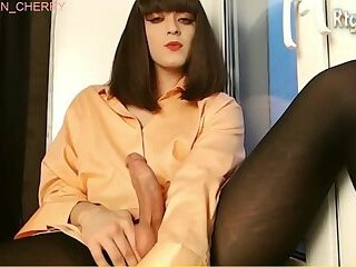 19yo Russian tgirl stroking her big cock online