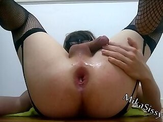 MikaSissy squirting and two toys at same time