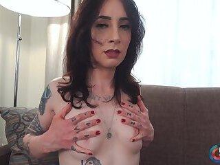 Meet Xtra Melanie