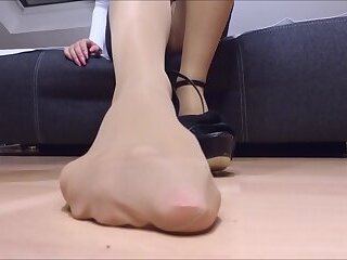 my pantyhose feet