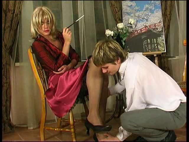 Blonde cd in stockings gets sucked