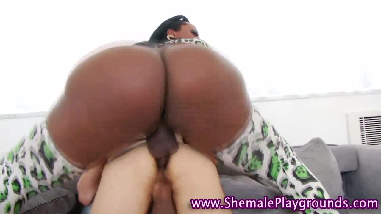White Milf Fucks Black Guy