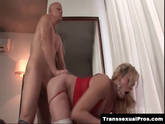Hot Blonde Giving Nice Blowjob
