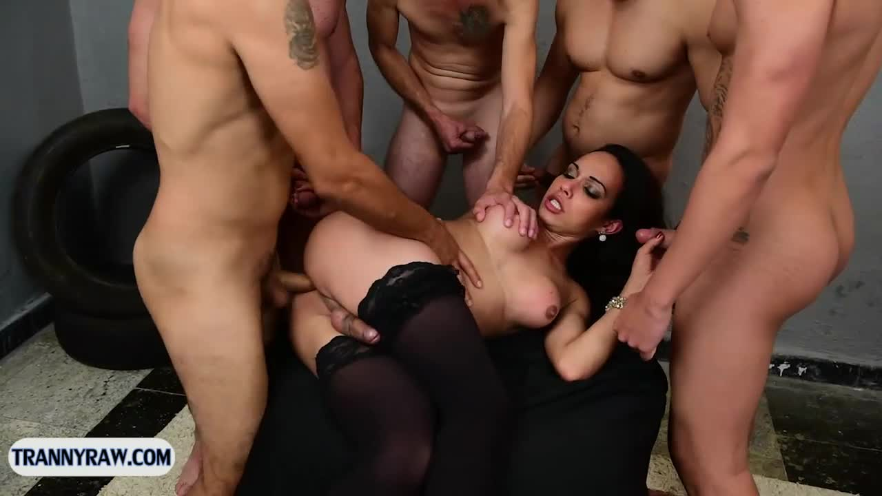 Tranny Dom Group Gang Bang