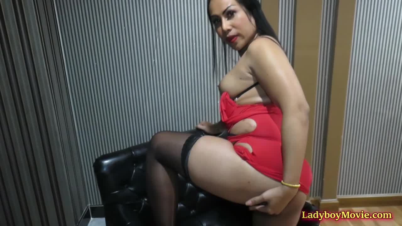 TBabe Chanel Anally Domintes her lover